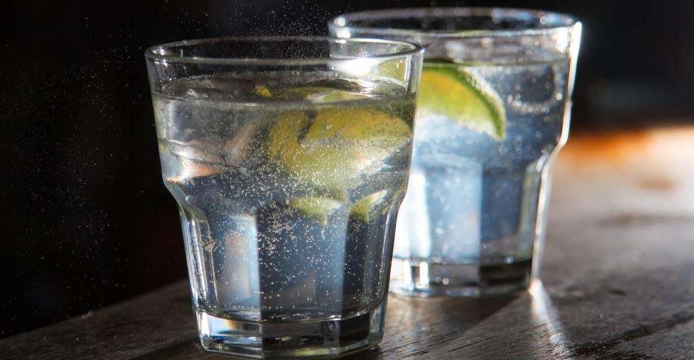 Gin bar drink