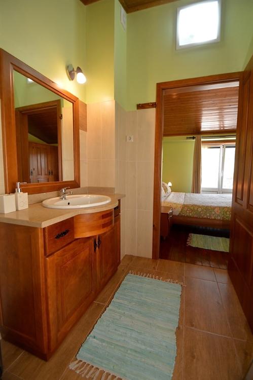 stylishly restored 3-bed house - 12