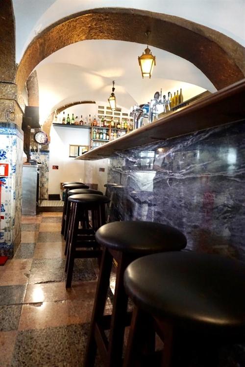 successful historical restaurant lisbon - 12