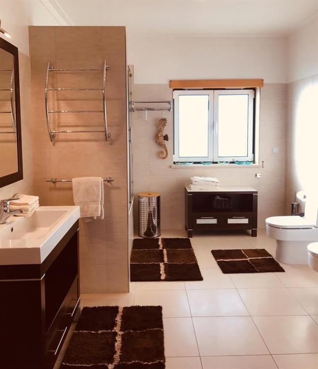 luxury 3-bed villa independent - 10