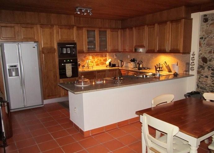stylishly restored 3-bed house - 10