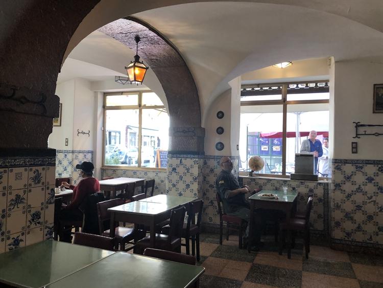 successful historical restaurant lisbon - 6