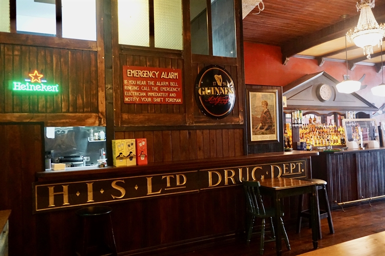 successful irish pub almada - 12