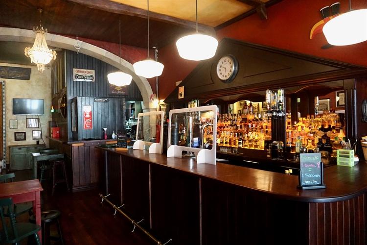 successful irish pub almada - 10